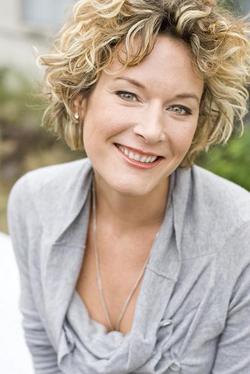 Cally Stronk: Ich bin Texterin/Konzepterin für Kindermedien