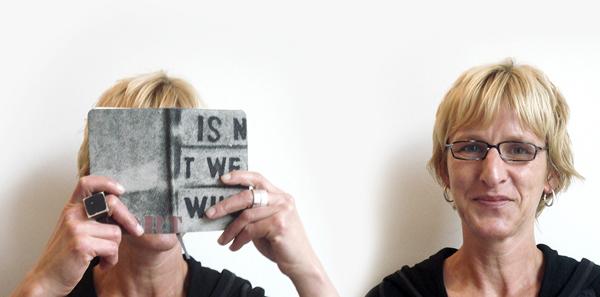 Sandra Elm: Ich re-cycle alte Lieblings-T-Shirts und mache daraus Cover für Notizbücher