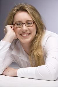 Julia Weisenberger: Ich arbeite als Pressefachverkäuferin am Flughafen München und betreibe ein Rezensions-Blog