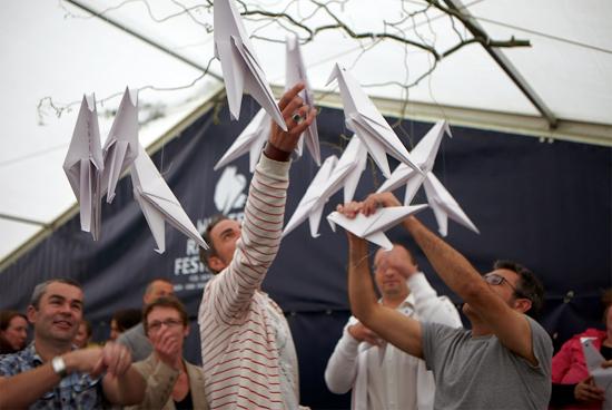 Internationale Jugendbibliothek: Bekanntmachung des White Ravens Festivals 2012 über Soziale Netzwerke