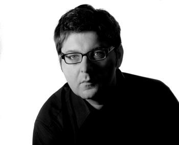 Alexander Emmerich: Virtuelle Spuren auf allen Kanälen führen zu neuer Krimi-Reihe