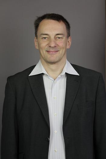 Dr. Oliver Domzalski