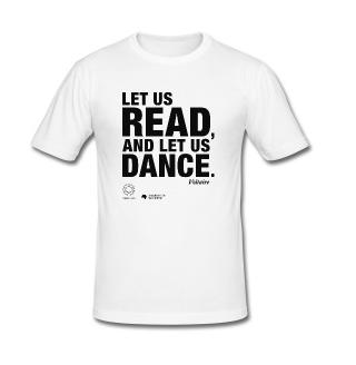 LET US READ | Voltaire-Zitat-Männer-Slim-Fit-T-Shirt