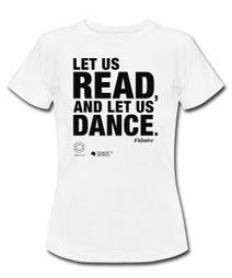 LET US READ   Women T-Shirt mit Voltaire-Zitat