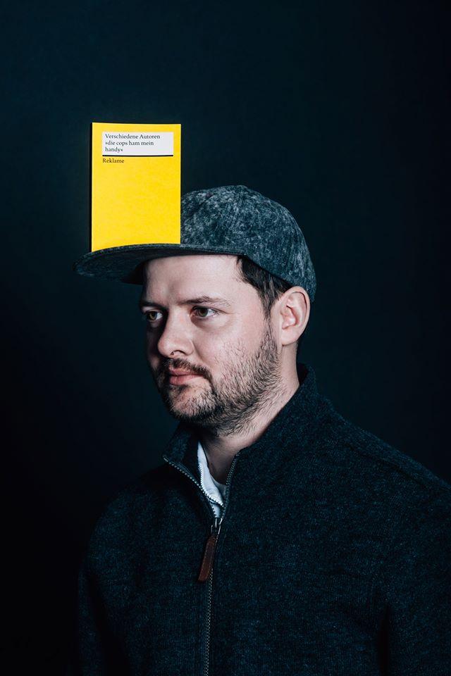 Lukas Adolphi: Ich habe mit meinem Spaßbuch offenbar einen Nerv getroffen