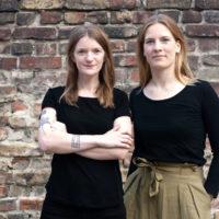 Carolin Schmidt und Margaret Schlenkrich: Unser Konzept der installativen Literaturausstellung gibt es bislang noch nicht