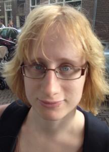 Sarah ist Buchhändlerin und der Blog ZEILENSPRUNG ihr Rezensionstagebuch