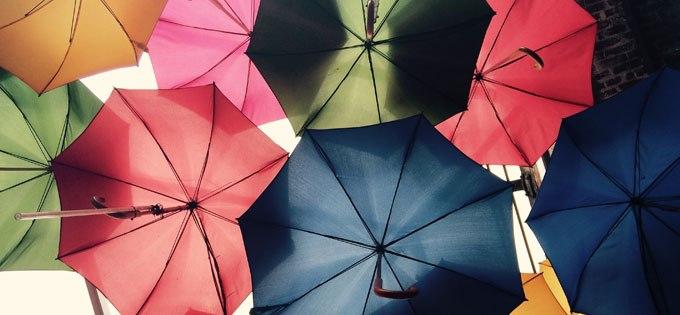 Free the words! Mit Regenschirmen für die Meinungsfreiheit