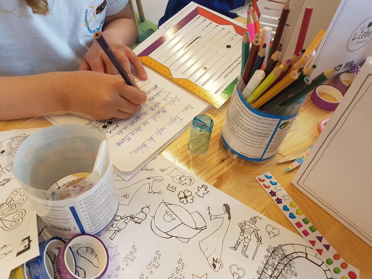 Gloria Hiltmair: Mit SEITENBUNT können Kinder ein eigenes gebundenes Buch entstehen lassen