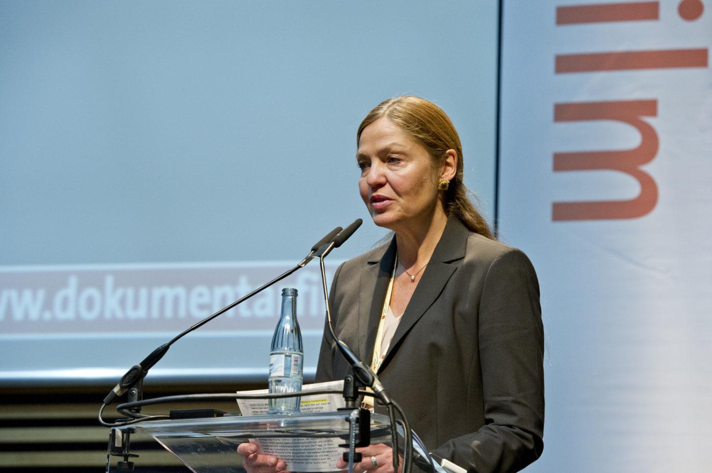 Astrid Beyer: Ich arbeite im Haus des Dokumentarfilms und gestalte den Branchentreff DOKVILLE