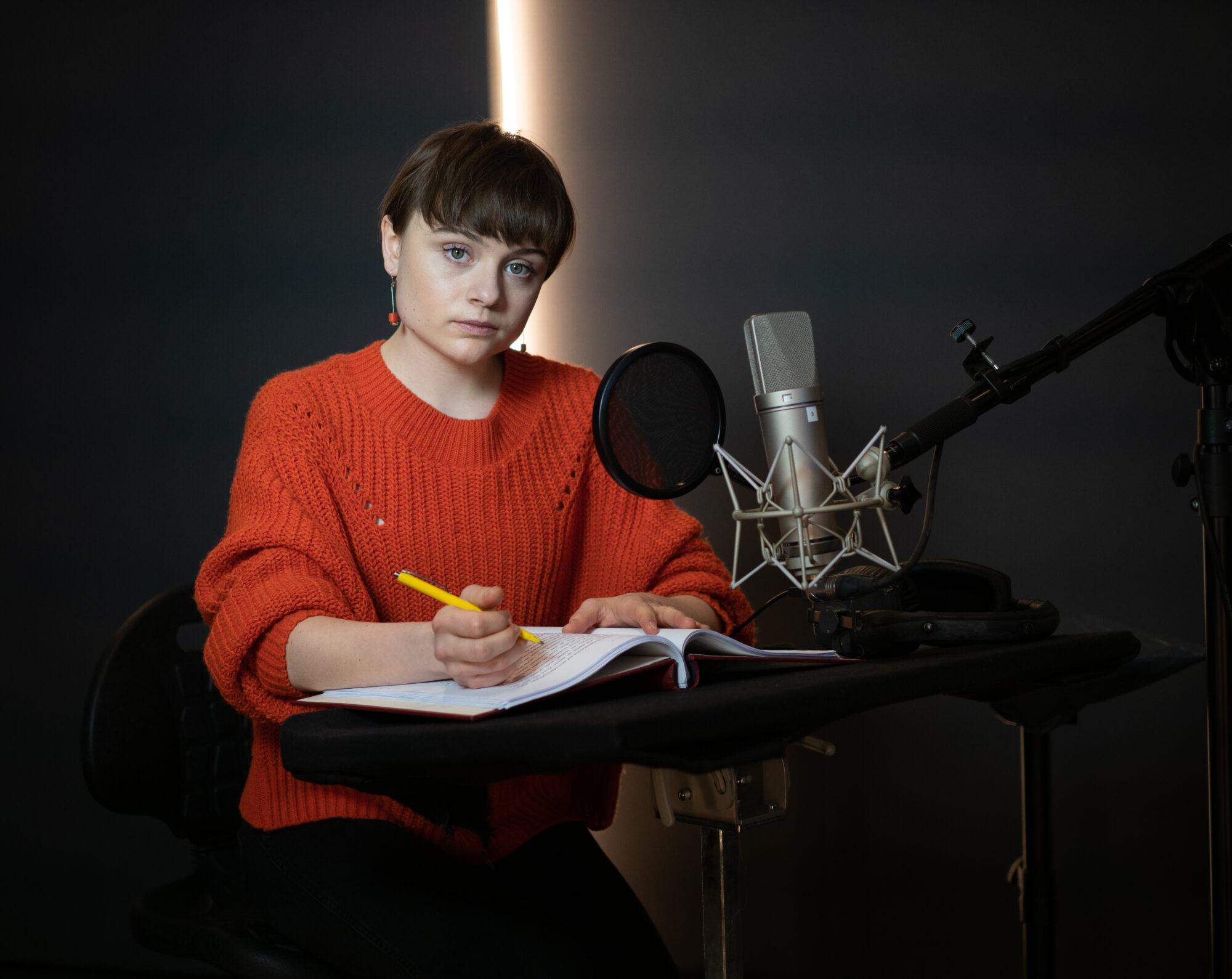 Lena Urzendowsky: Bücher interpretiere ich als Darstellerin oder lese sie ein